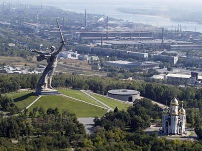 Statua-Majka-Otadzbina-u-Volgogradu-Jevgenjij-Vucetic-1